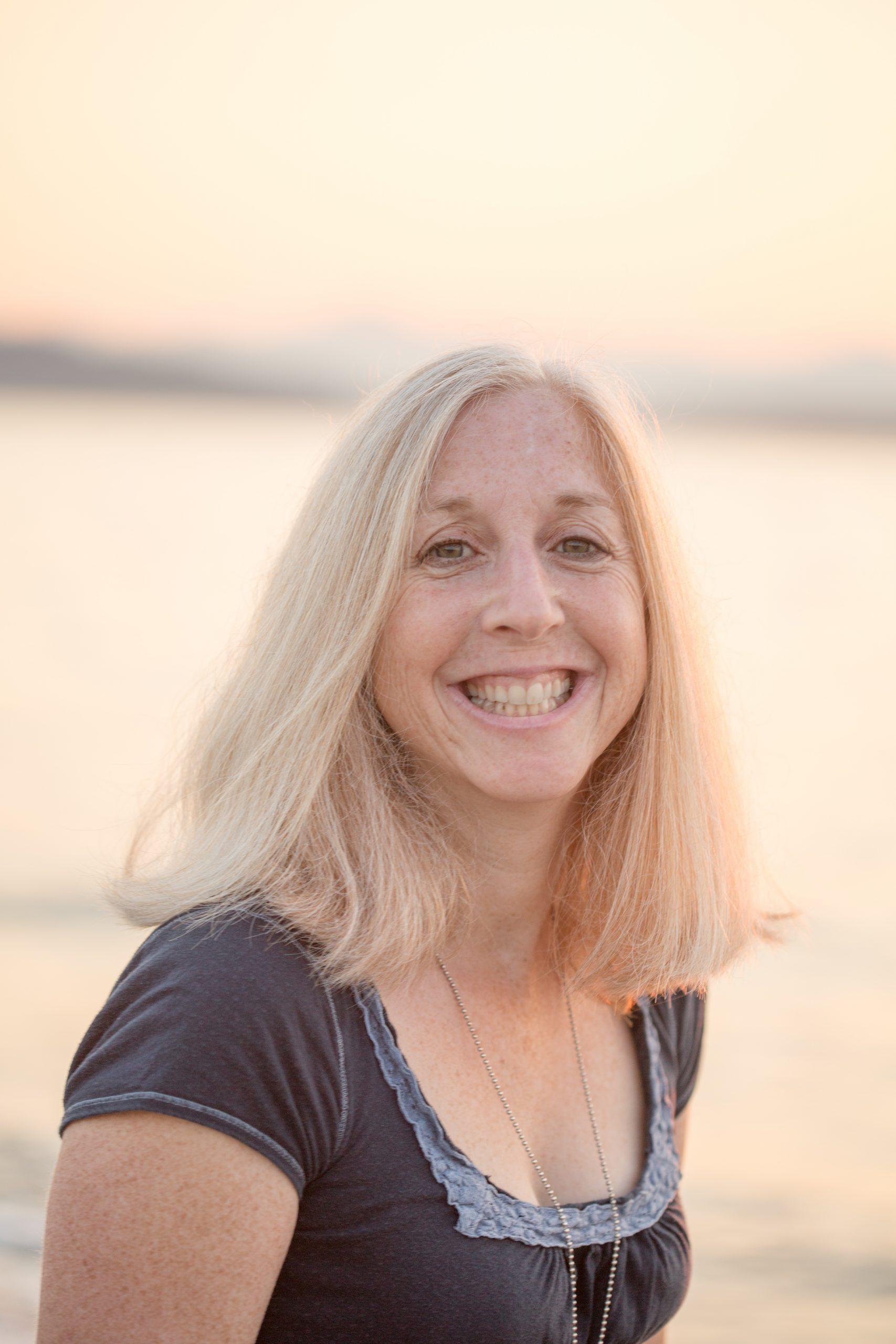 Author Joanne Lewis